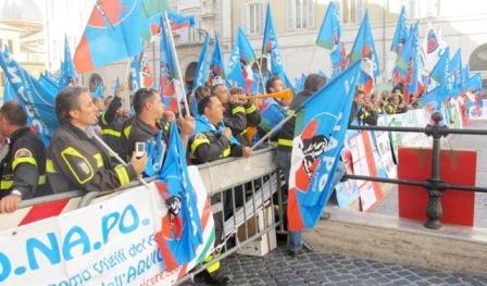 Viglili del Fuoco in sciopero nazionale: non privilegi ma pari diritti.