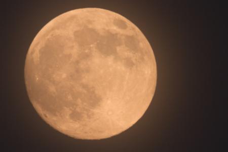 Oggi 14 novembre la Superluna più spettacolare da 68 anni a questa parte