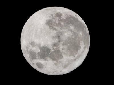 La Superluna e la bora, avventura sulla rocca di Monrupino: foto e video col cannocchiale