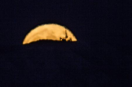Sorgere della luna al perigeo - 1