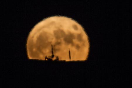 Sorgere della luna al perigeo - 3